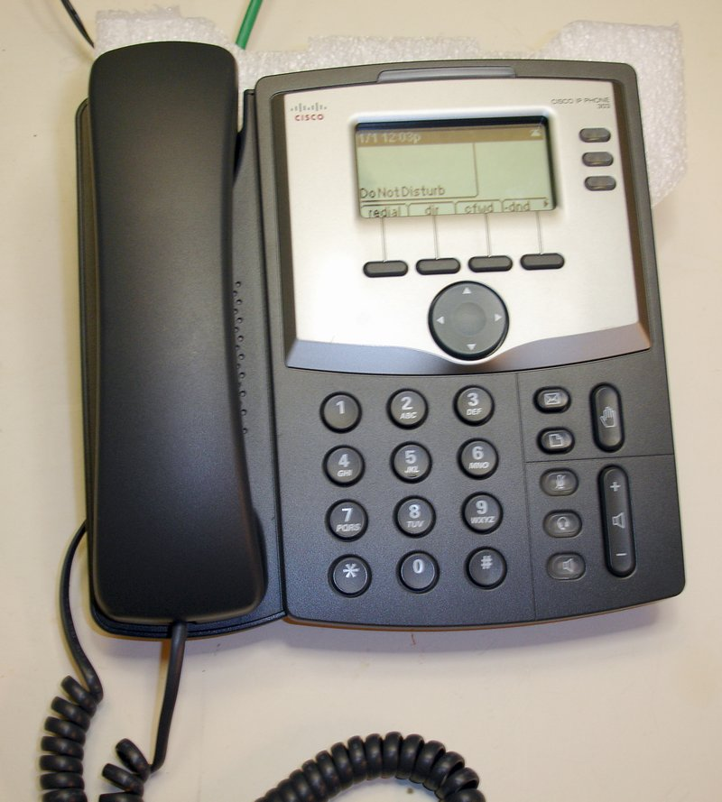 Picture of: cisco spa303-g1 3 line voip ip business phone hd voice w power adapter and tech talk, comments, help & reviews.