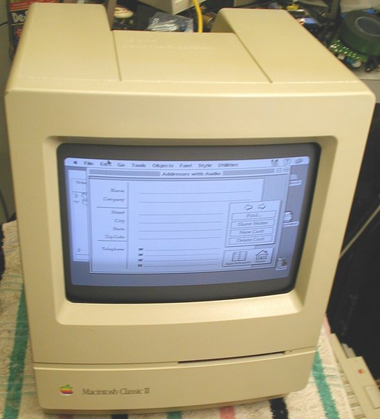 Picture of: apple macintosh mac classic ii and tech talk, comments, help & reviews.