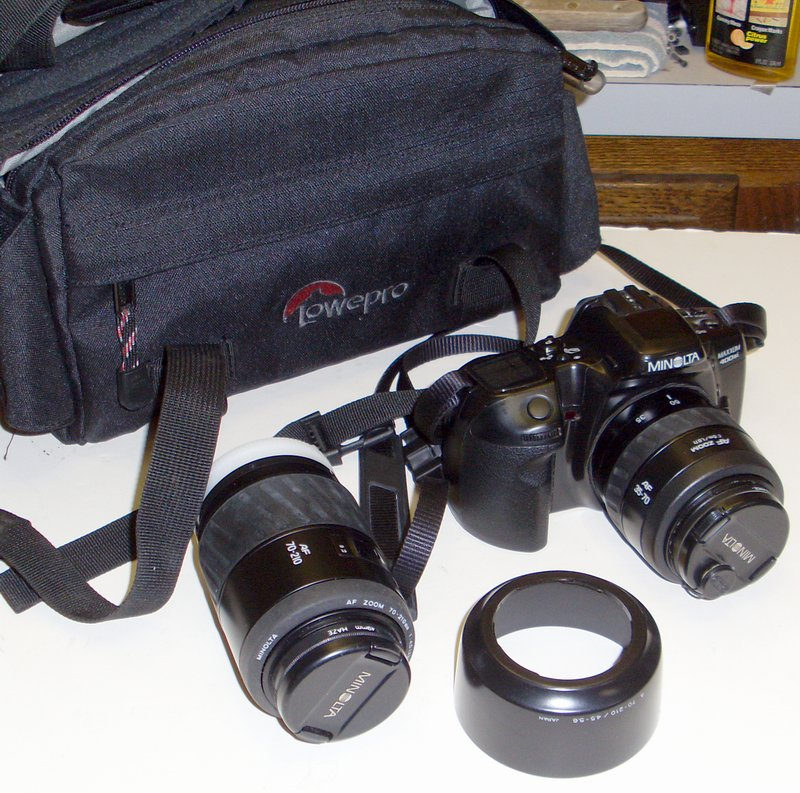 Picture of: minolta maxxum 400si 35 mm af slr film camera / minolta dynax 500si and tech talk, comments, help & reviews.