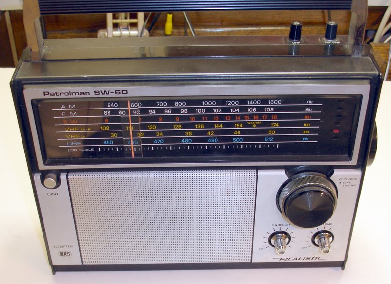 Picture of: vintage realistic patrolman sw-60 6 band radio short wave 12-779 and tech talk, comments, help & reviews.