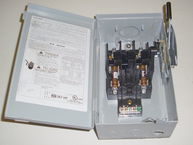 Picture of: eaton cutler hammer 30a 240 vac fused safety switch box  and tech talk, comments, help & reviews.
