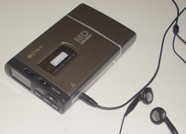 Picture of: minidisk md sony walkman portable mini disc player mz-e40  and tech talk, comments, help & reviews.