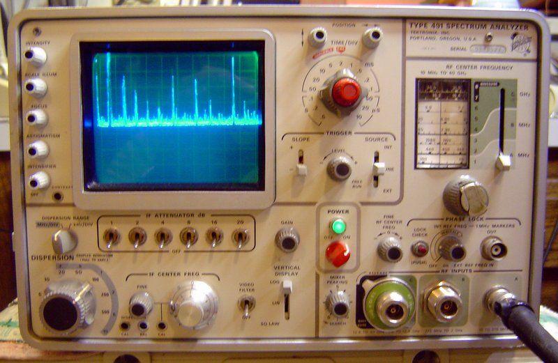 Picture of: tektronix 491 - tek 491 10 mhz to 40 ghz used spectrum analyzer and tech talk, comments, help & reviews.