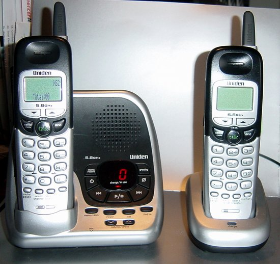 Picture of: uniden dxa15588-2 5.8 ghz twin cordless phone 5.8ghz and tech talk, comments, help & reviews.