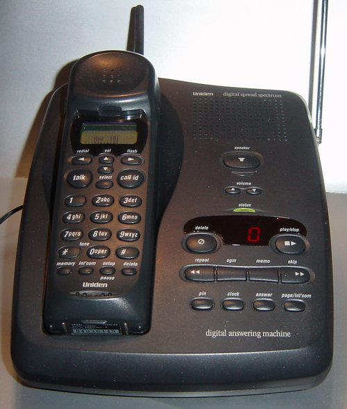 Picture of: cordless phone 900mhz uniden xtended range 900 mhz exs9800 and tech talk, comments, help & reviews.