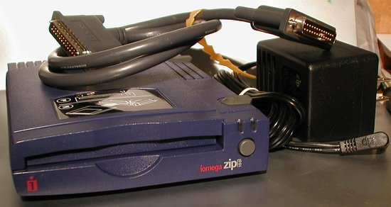 Picture of:  iomega zip 100 mb scsi port disk drive and tech talk, comments, help & reviews.